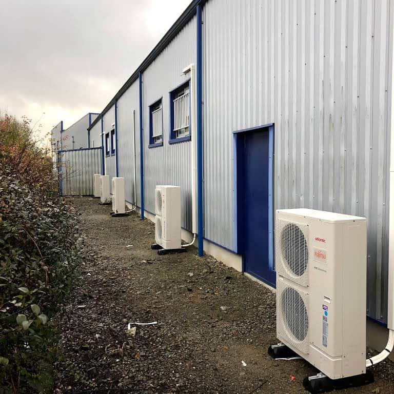 unité extérieur de pompe à chaleur installée chez des professionnels à Limoges